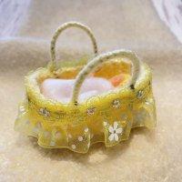 エケコ人形用小物 赤ちゃんが欲しい❤おくるみベッド 黄【小物のみの価格】