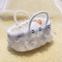 エケコ人形用小物 赤ちゃんが欲しい❤おくるみベッド 白【小物のみの価格】