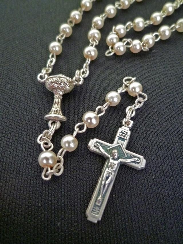 画像1: 【限定】聖なる十字架 愛の祈り ロザリオ ケース付き pearl
