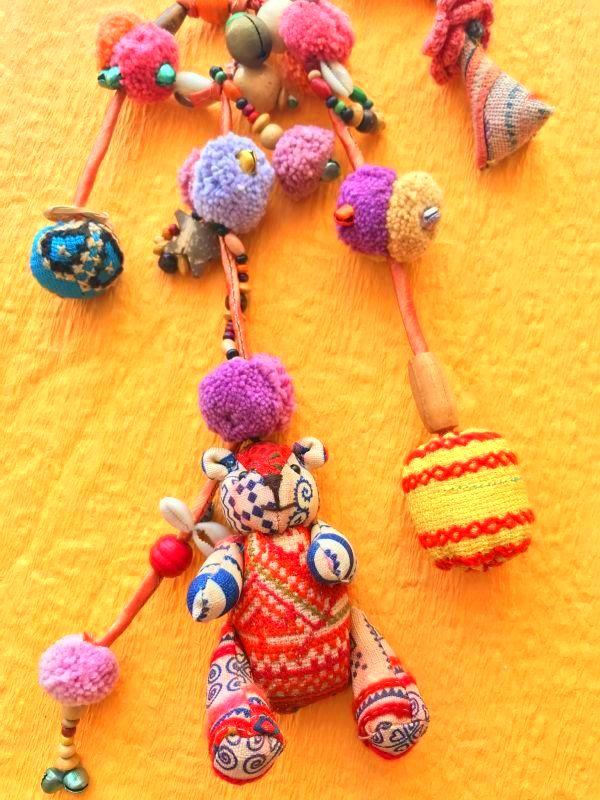 画像2: モン族の魔よけと幸運のテディベア 飾り