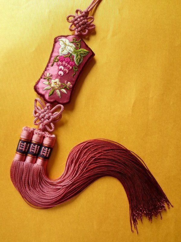 画像1: 受け継がれる幸福のお守りノリゲ 葡萄 紫