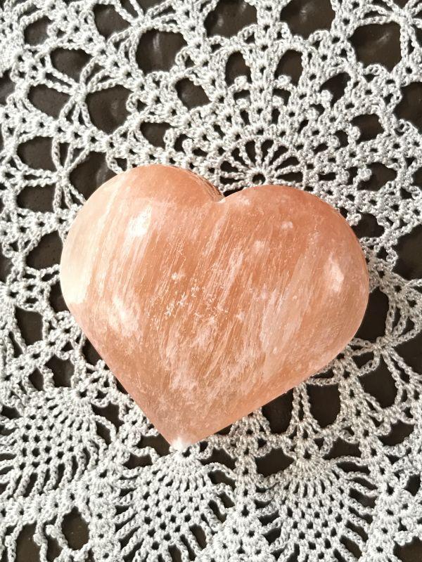 画像1: 天使のメッセージ。出会いと幸運を運ぶ☆オレンジセレナイト ハート 大