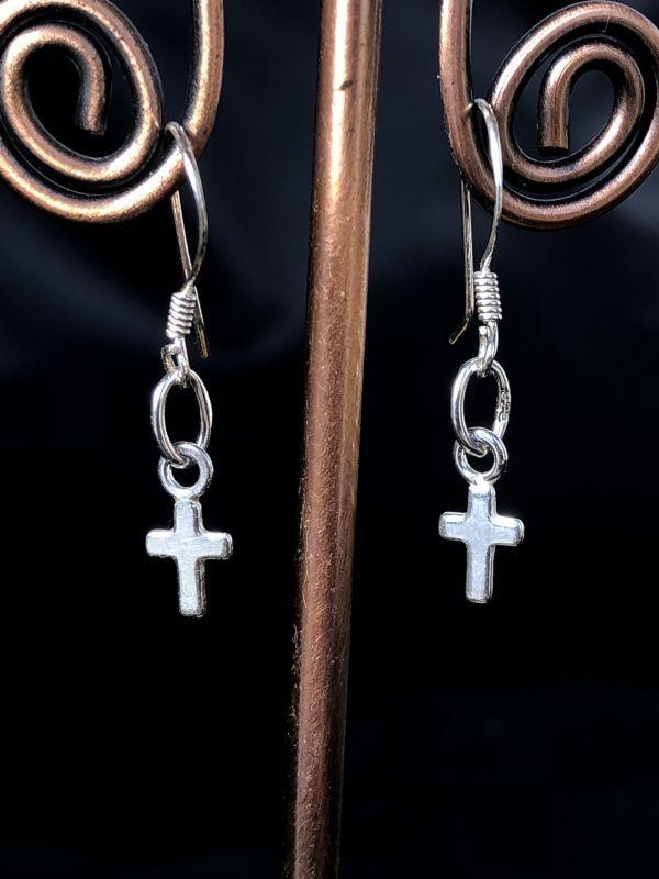 画像1: あなたを護る☆小さな十字架ピアス silver925☆