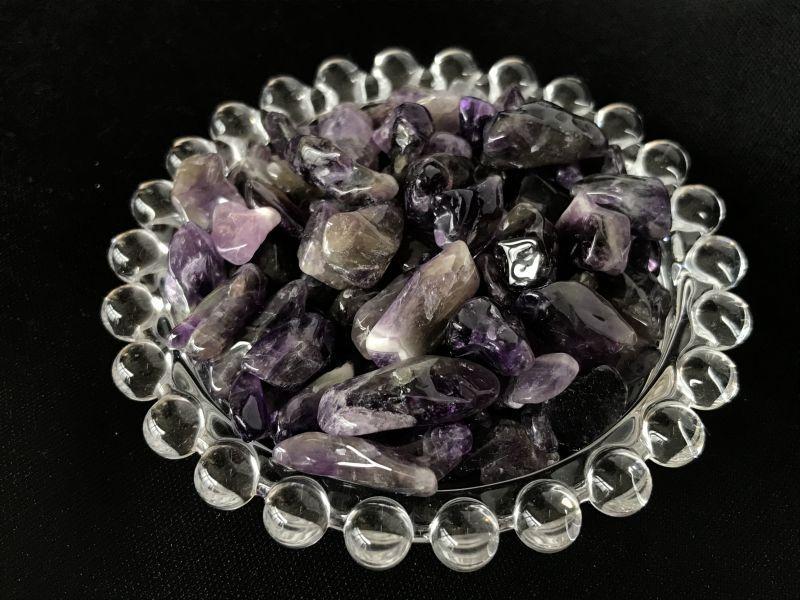 画像2: 「異性運アップ」の石 アメジスト 大粒さざれ石 【持ち歩き可能ポーチ付き】
