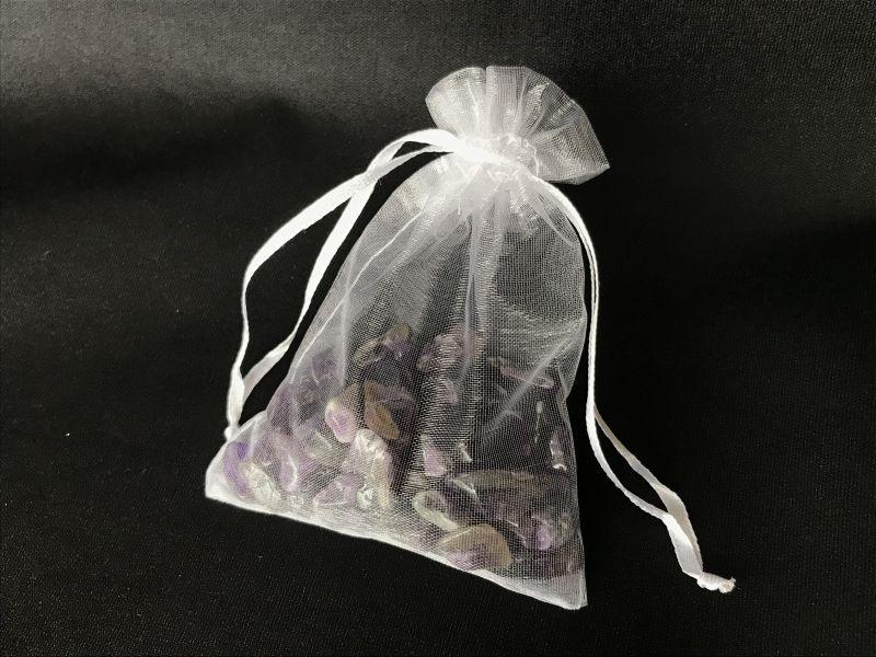 画像3: 「異性運アップ」の石 アメジスト 大粒さざれ石 【持ち歩き可能ポーチ付き】