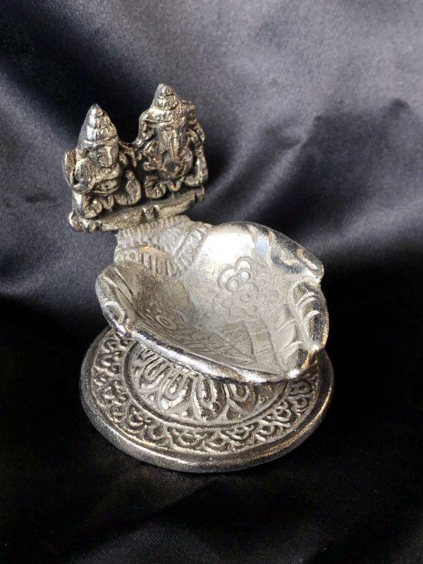 画像1: ホワイトメタル コーンお香皿 聖なる手(ガネーシャ&ラクシュミー)